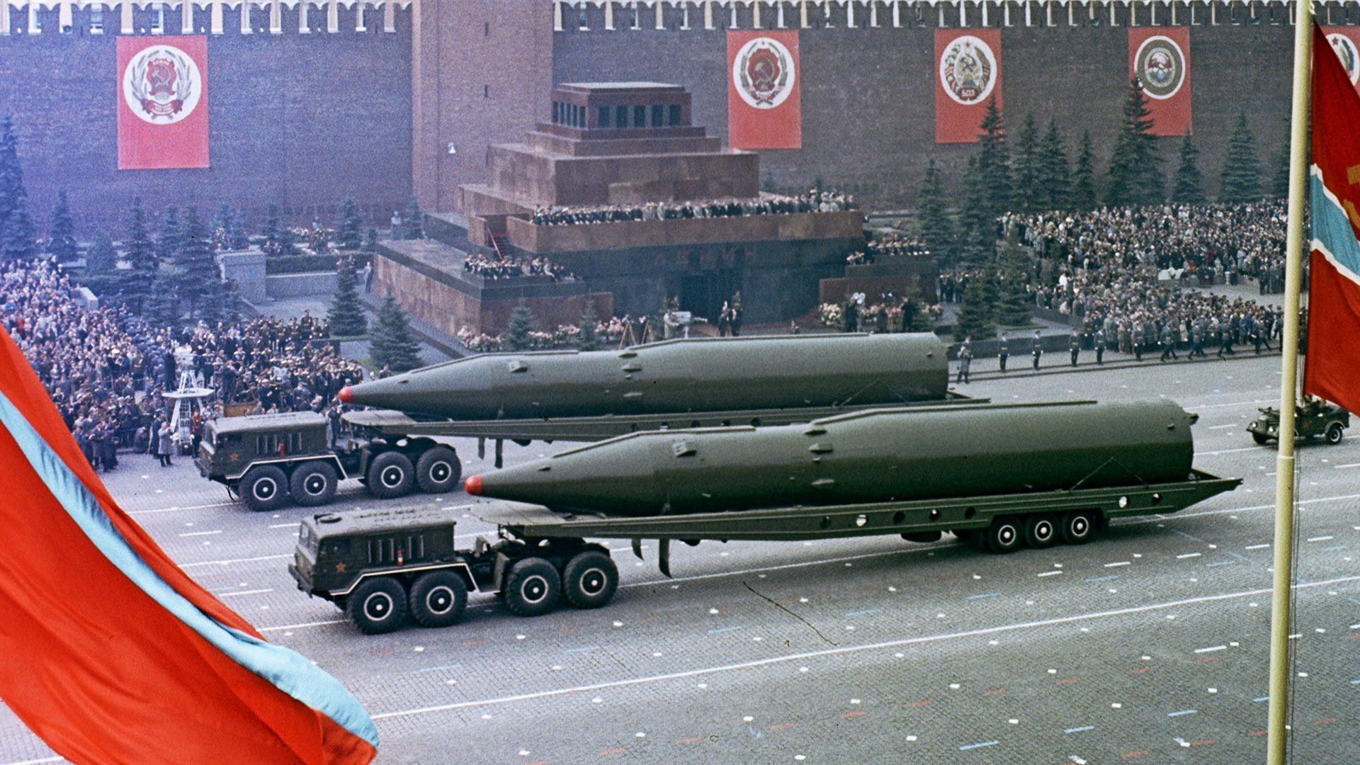 Воена парада на Црвениот плоштад по повод 20-годишнината од Победата во Големата татковинска војна 1941-1945.