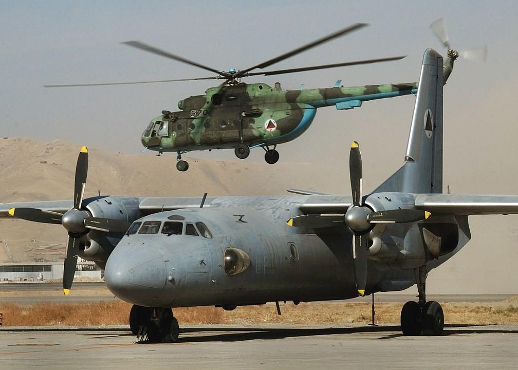 6 pilotos de la Fuerza Aérea de Afganistán que desertaron volando aeronaves  soviéticas (Imágenes) - Russia Beyond ES