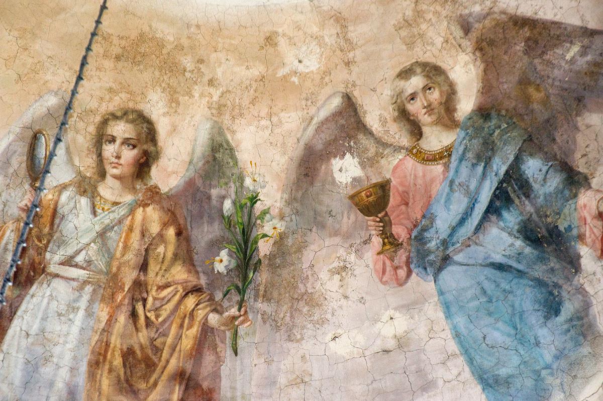 Богоявленска катедрала. Главен стенопис на купола: Архангел Гавриил (вляво), Рафаел. 23 август, 2016 г.