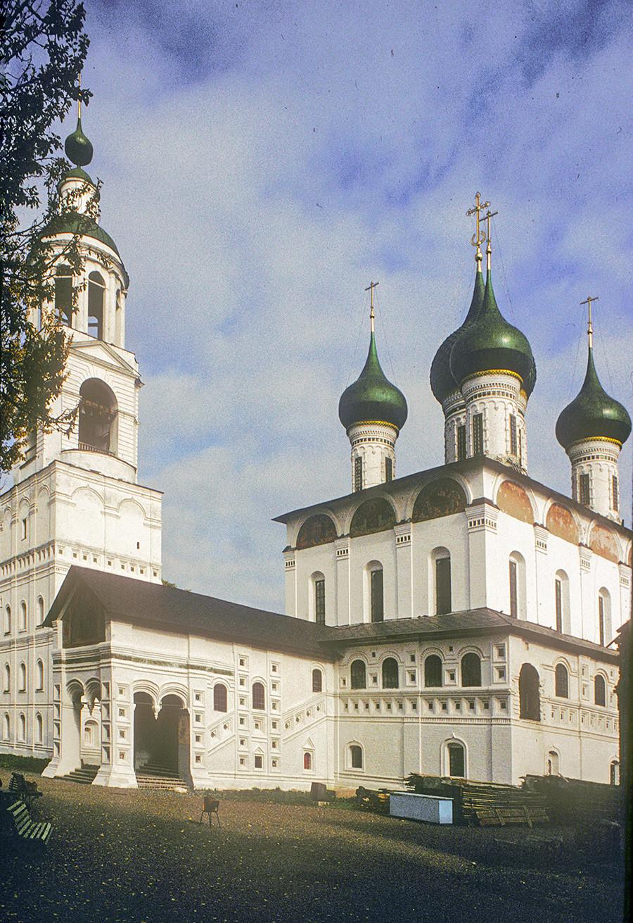 Campanario y Catedral de la Presentación, vista suroeste. 3 de octubre de 1992