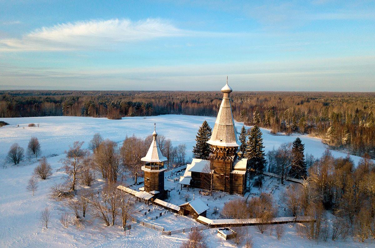 Die Geburtskirche im Dorf Gimreka in der Region Leningrad.