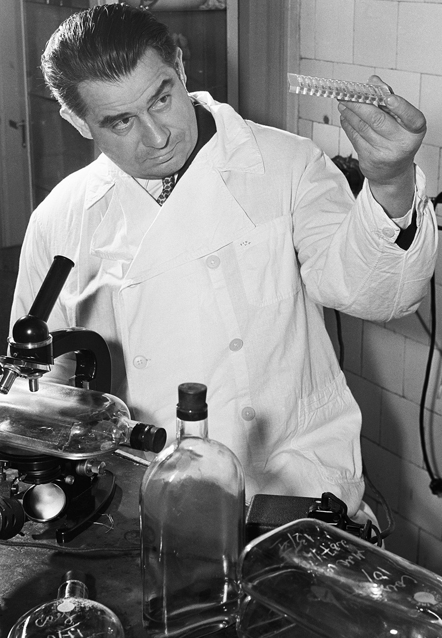 Mikhail Chumakov came up with the idea of making the vaccine in the form of candy pills.