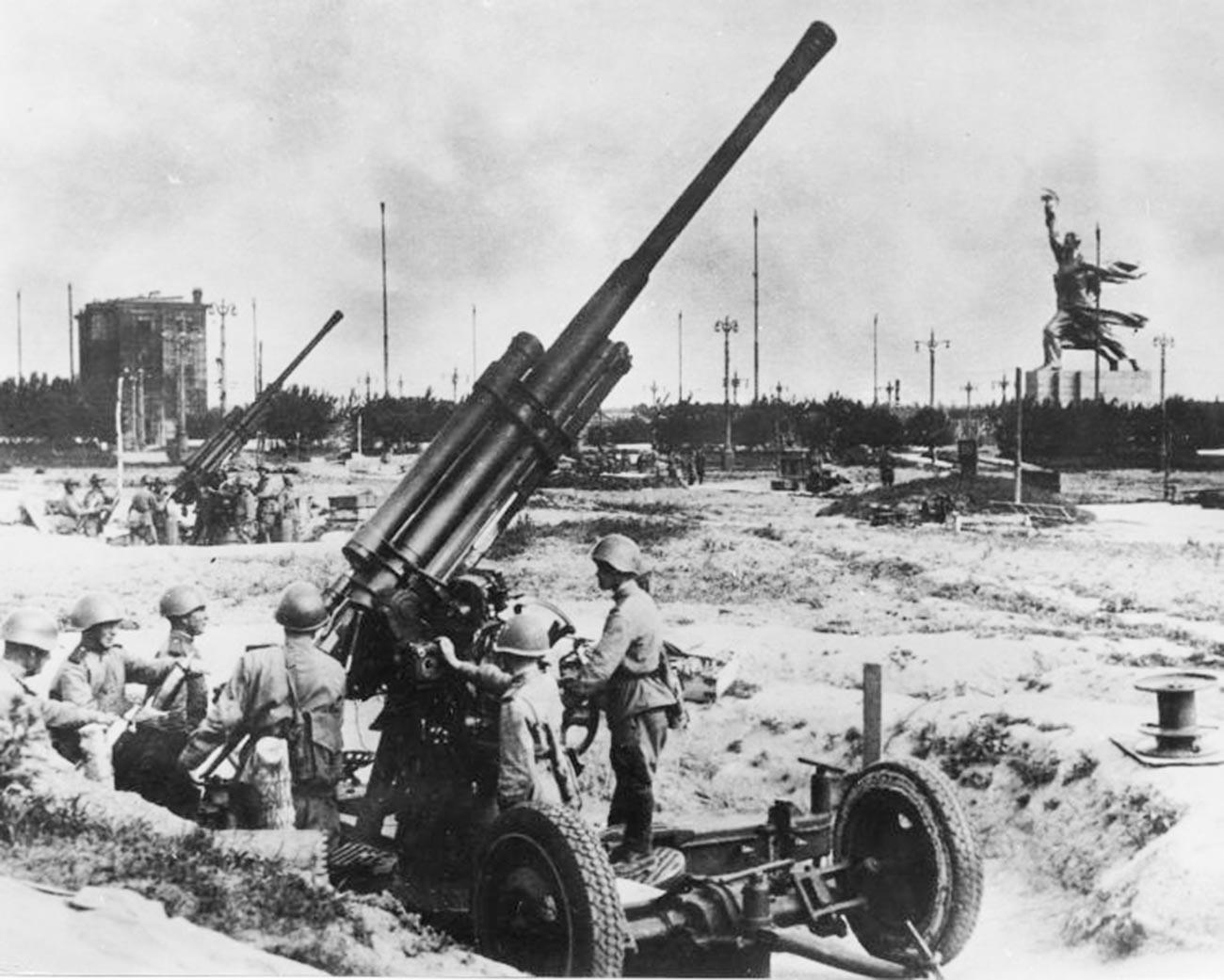 Артиљерци ПВО.