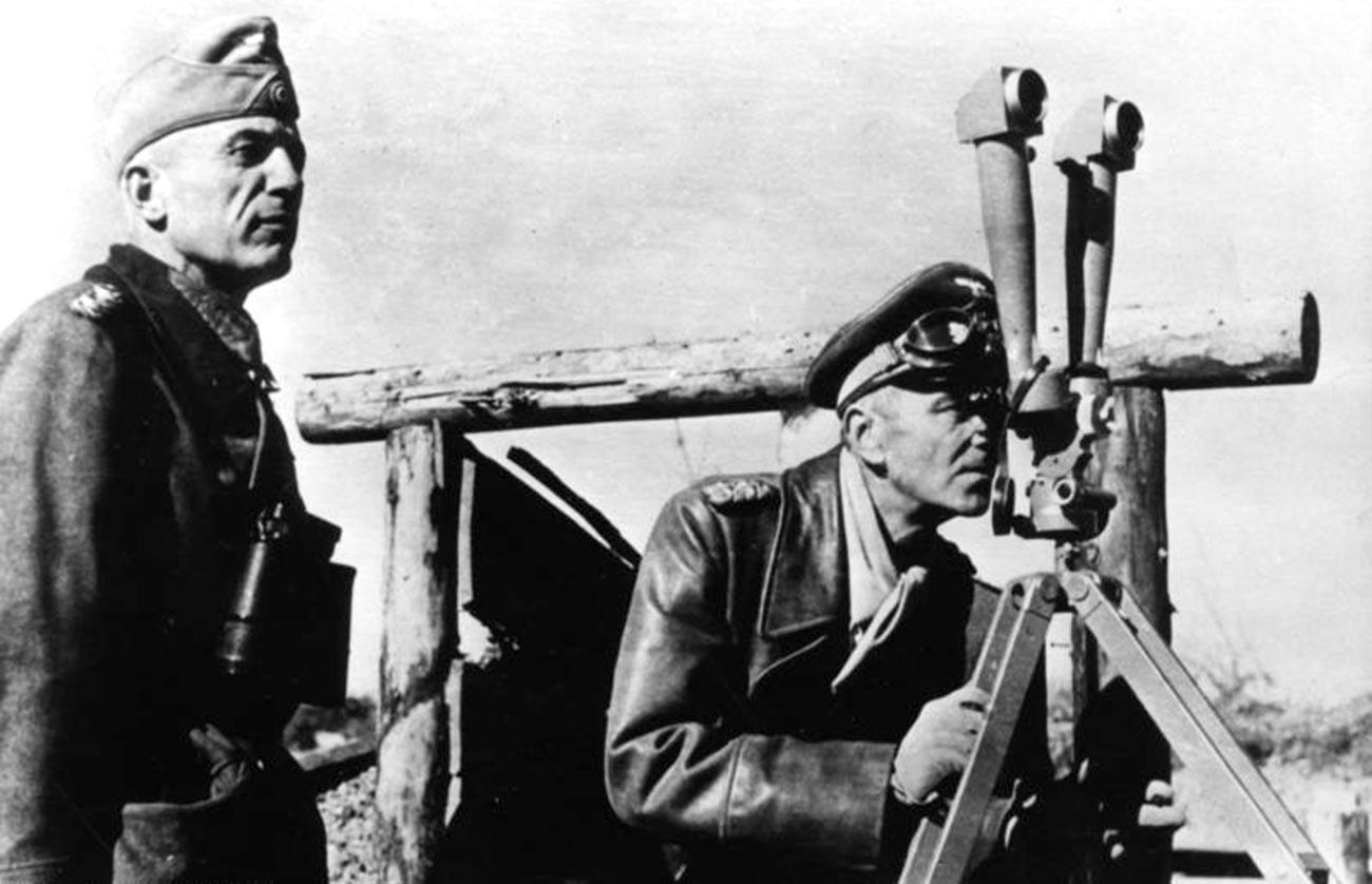 Валтер фон Зејдлиц-Курцбах (лево) и Фридрих Паулус на Источном фронту, 1942.