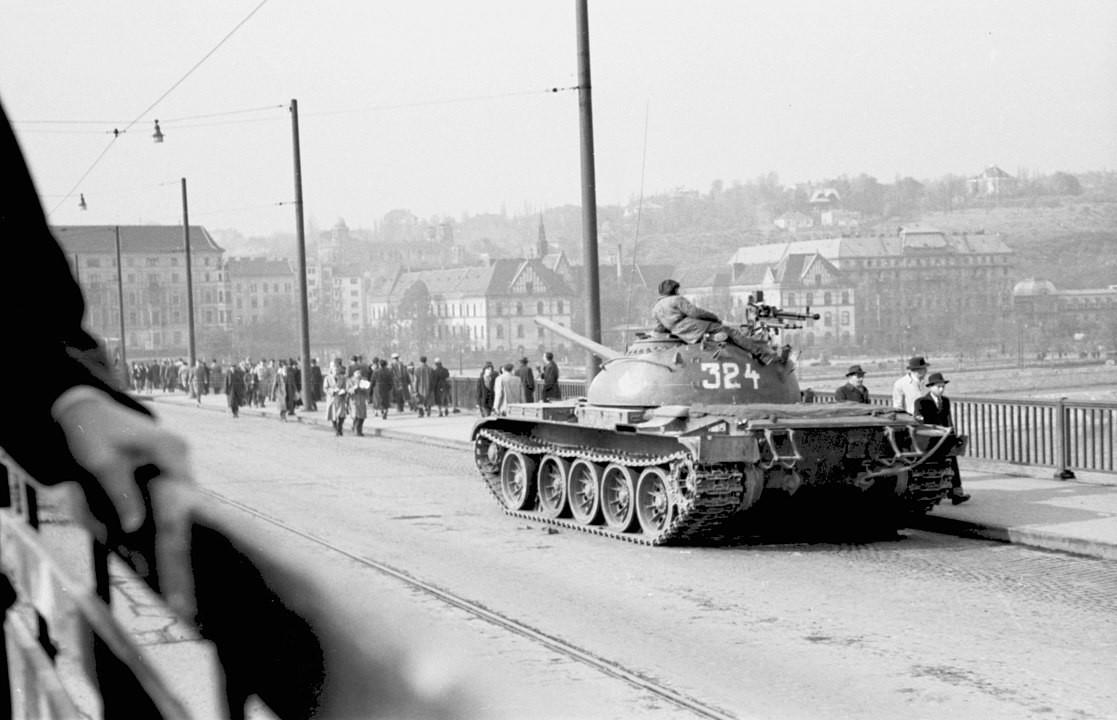 T-55 en un puente de Budapest.