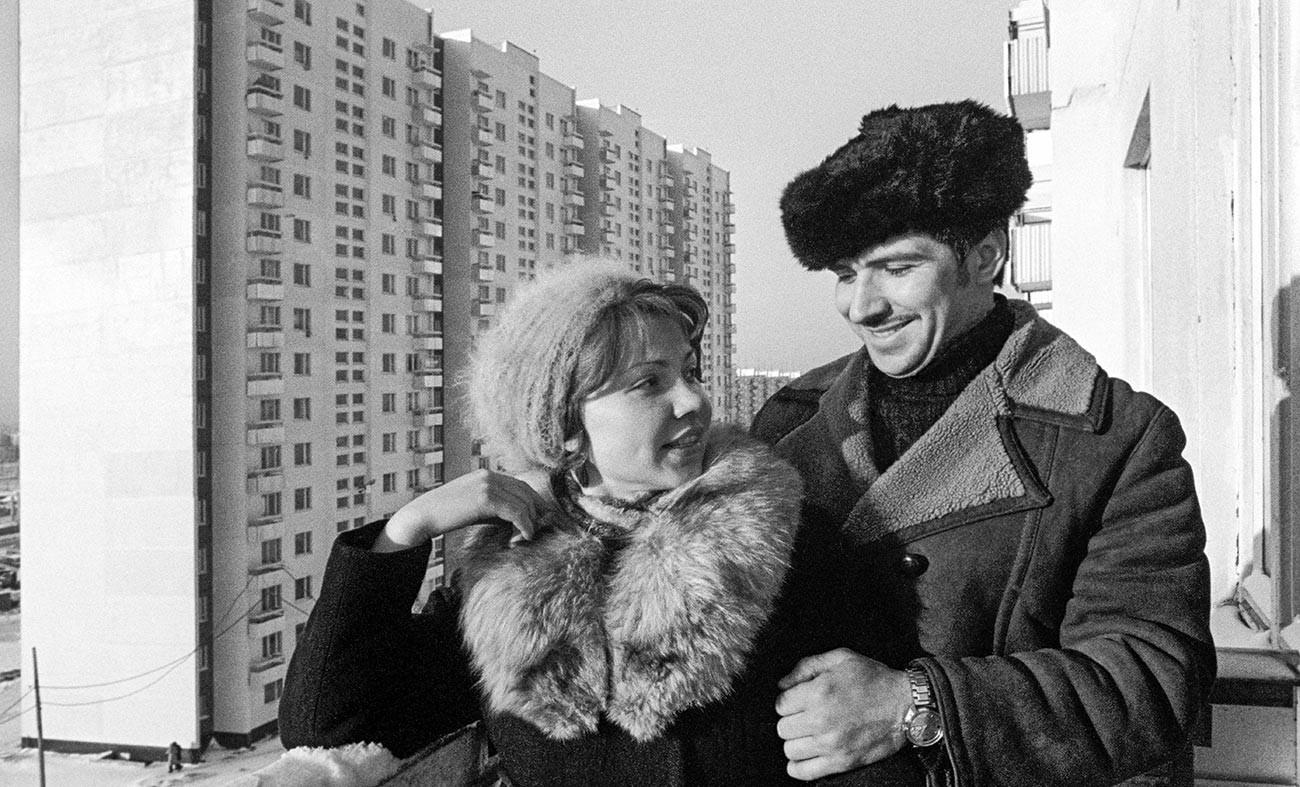 Zabava ob vselitvi v novo stanovanje v moskovskem okrožju Orehovo-Borisovo