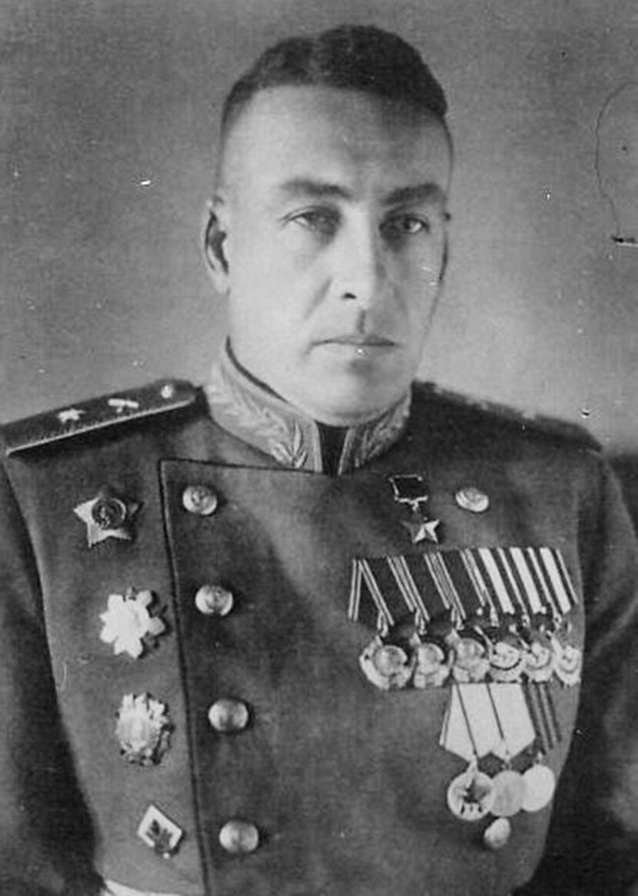Херојот на Советскиот Сојуз Сергеј Сергеевич Волкенштајн.