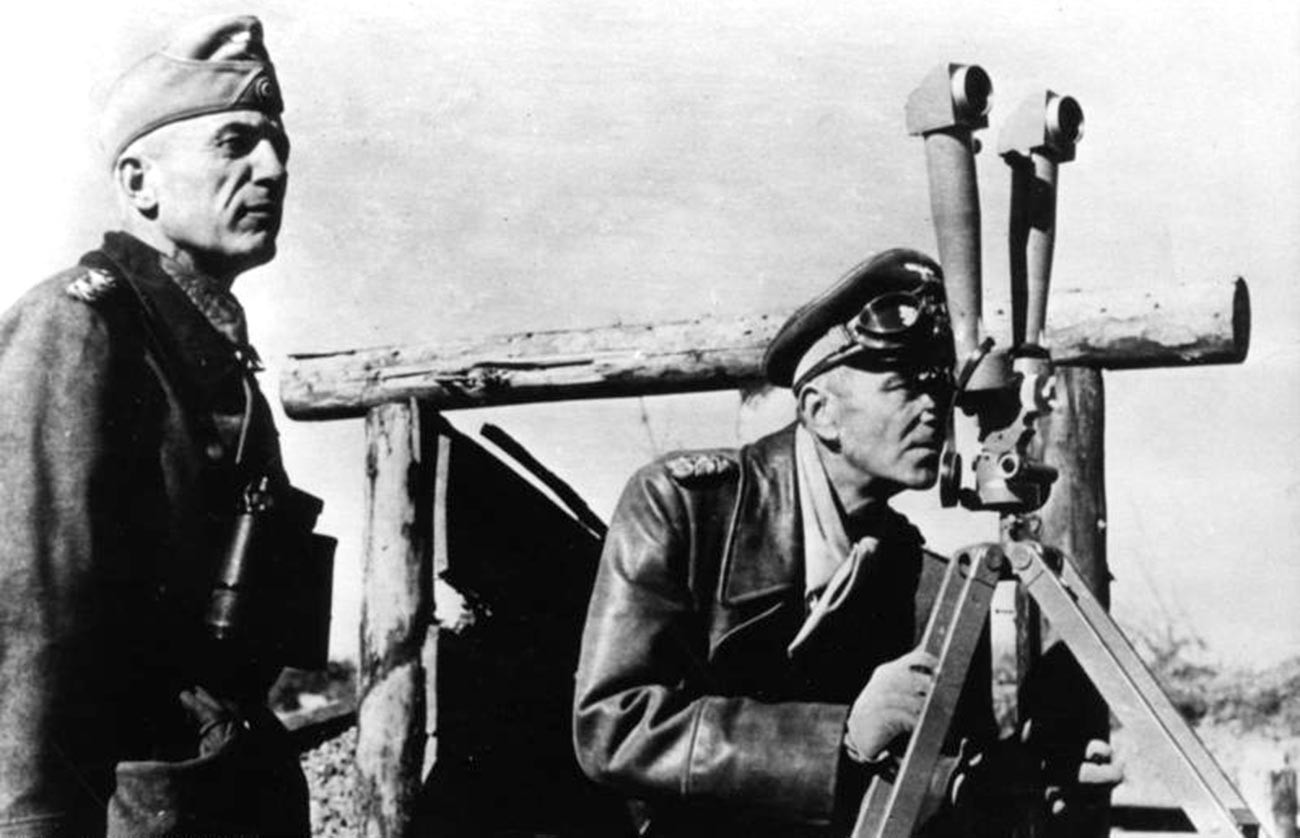 Валтер фон Зејдлиц-Курцбах (лево) и Фридрих Паулус на Источниот фронт, 1942 година