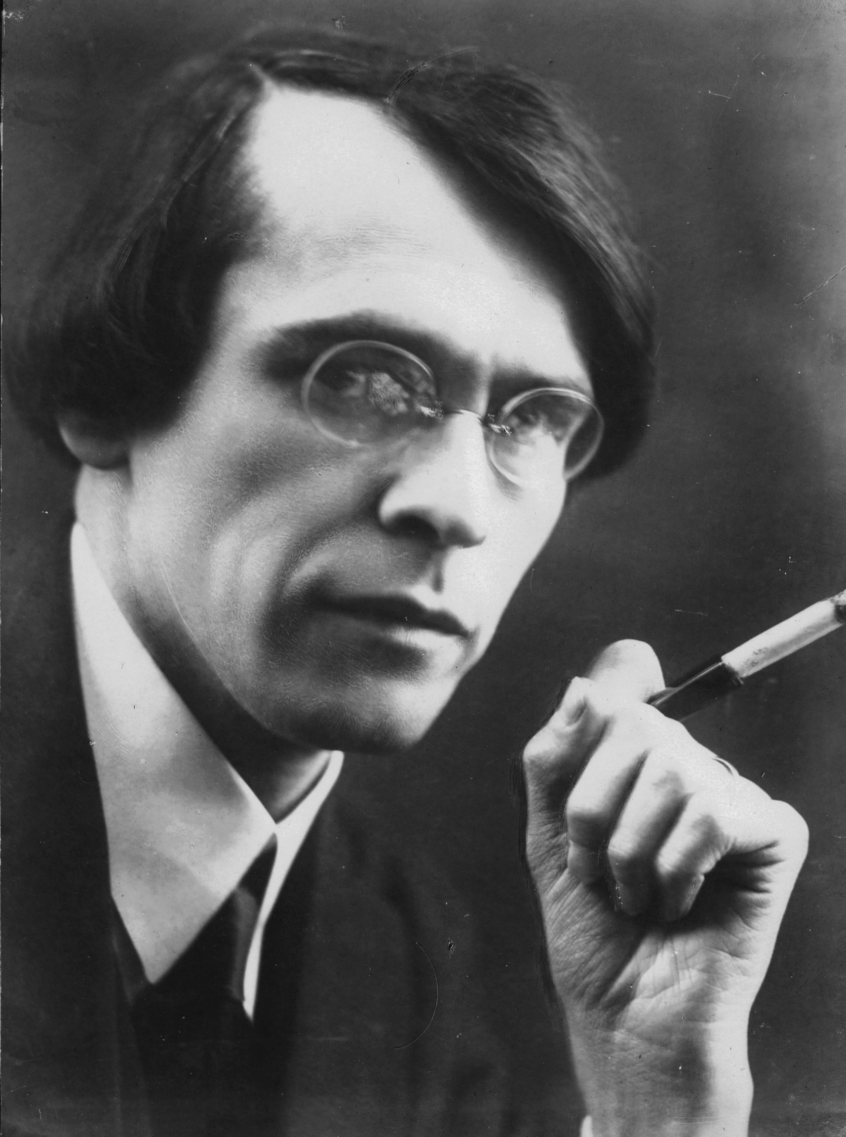 Vladislav Khodasevich is widely recognized as one of the foremost Russian poets of the 20th century.