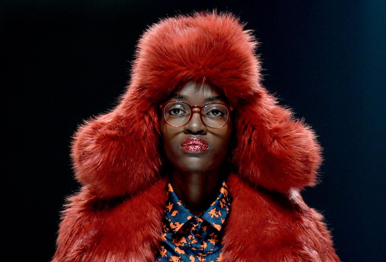 Modella in passerella alla Settimana della Moda di Berlino, 2020