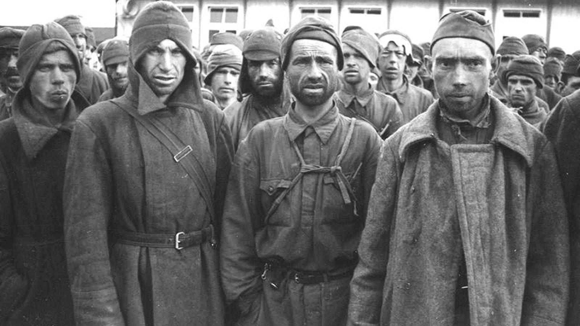 Prisioneros de guerra soviéticos en el campo de Mauthausen.