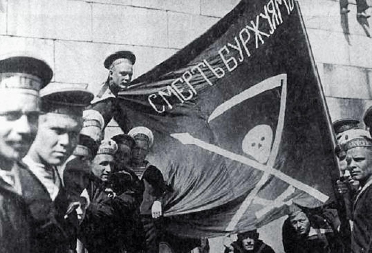 Marinai rivoluzionari della corazzata Petropavlovsk a Helsinki, estate 1917