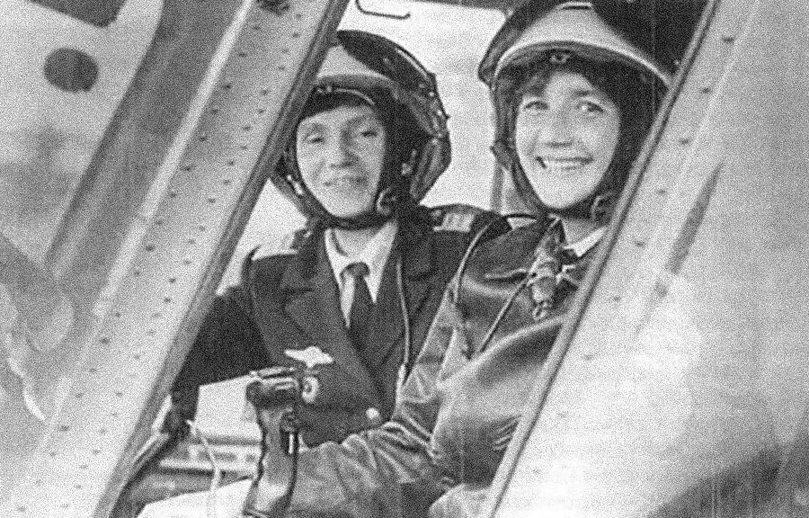 Galina Rastórgueva y Ludmila Poliánskaia