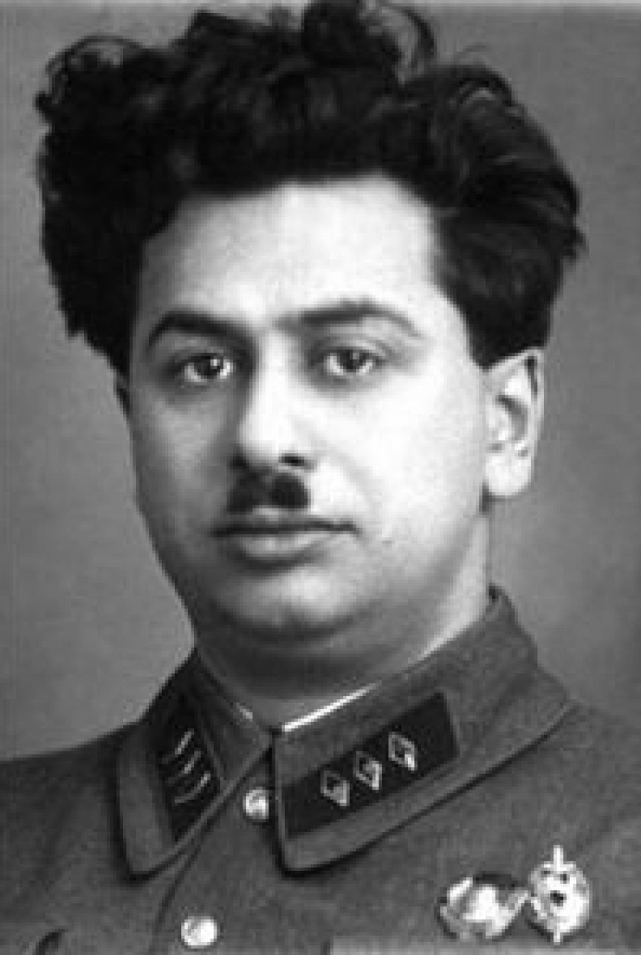 Генрих Люшков.