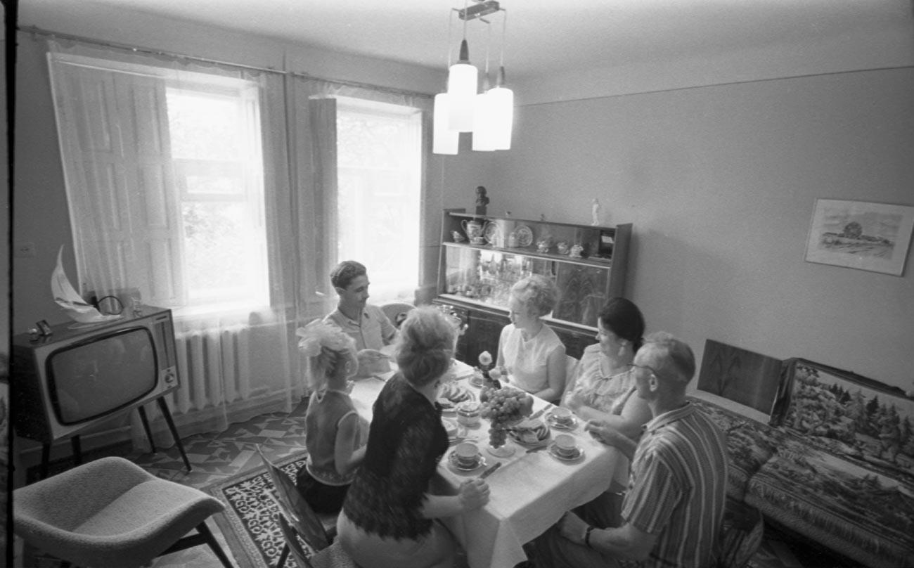 Nos anos 1960-70, não havia compreensão real do custo do tempo de TV na União Soviética