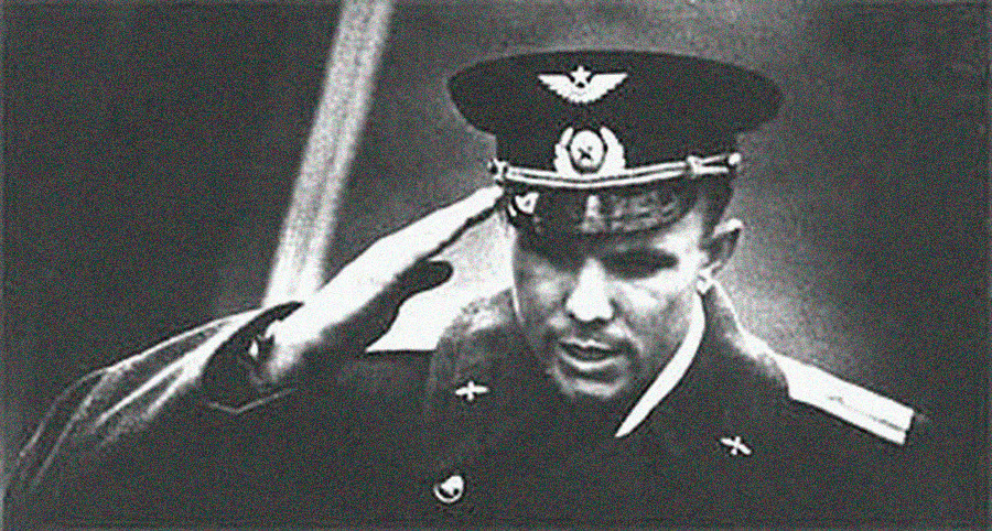 Juri Gagarin erstattet seinen Flugbericht