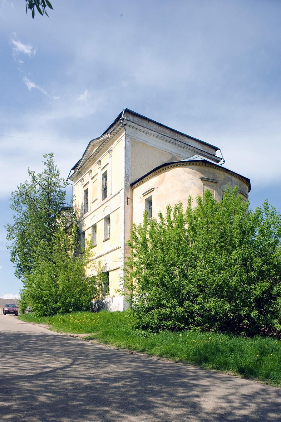 Église de la Dormition. Vue sud-est