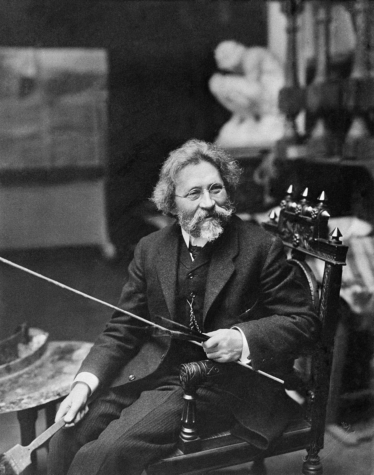Иља Рјепин у својој радионици, 1920.