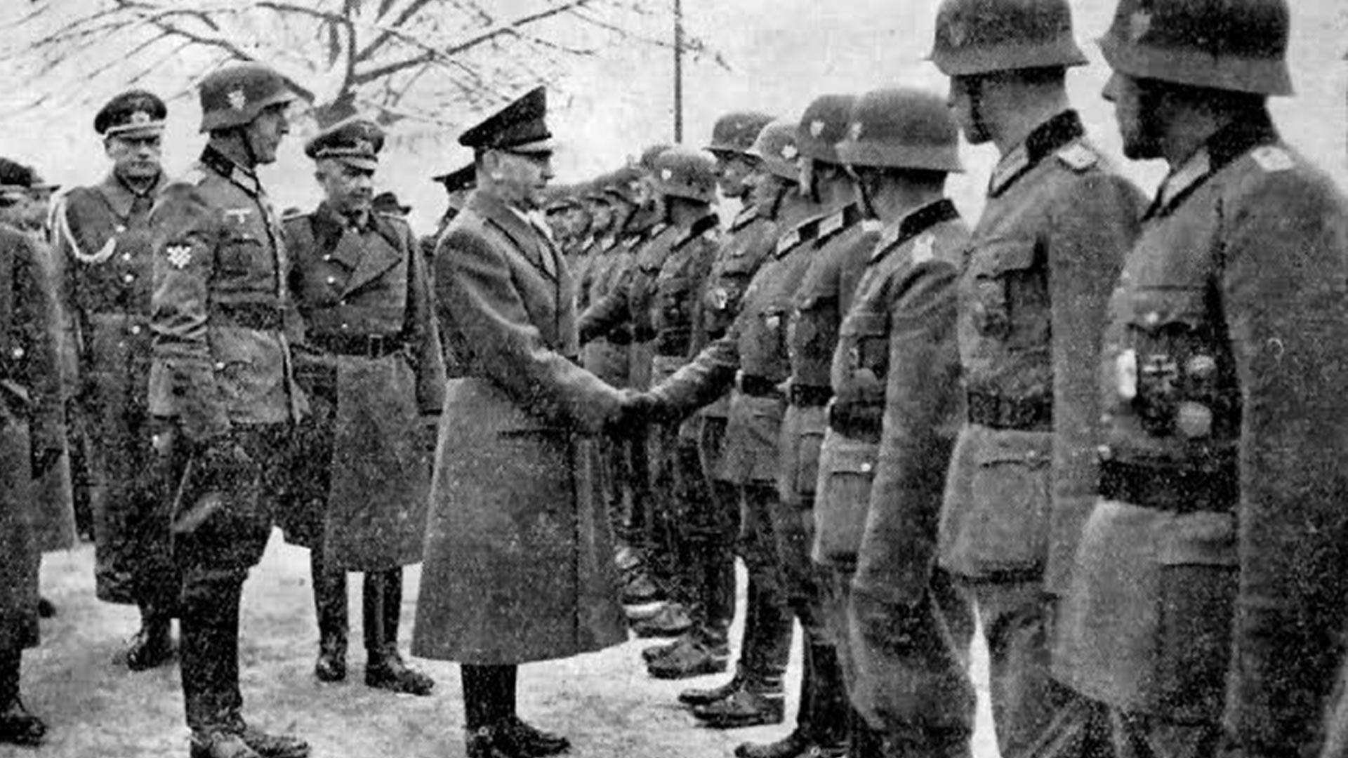 Анте Павелић и војници 369. пука.