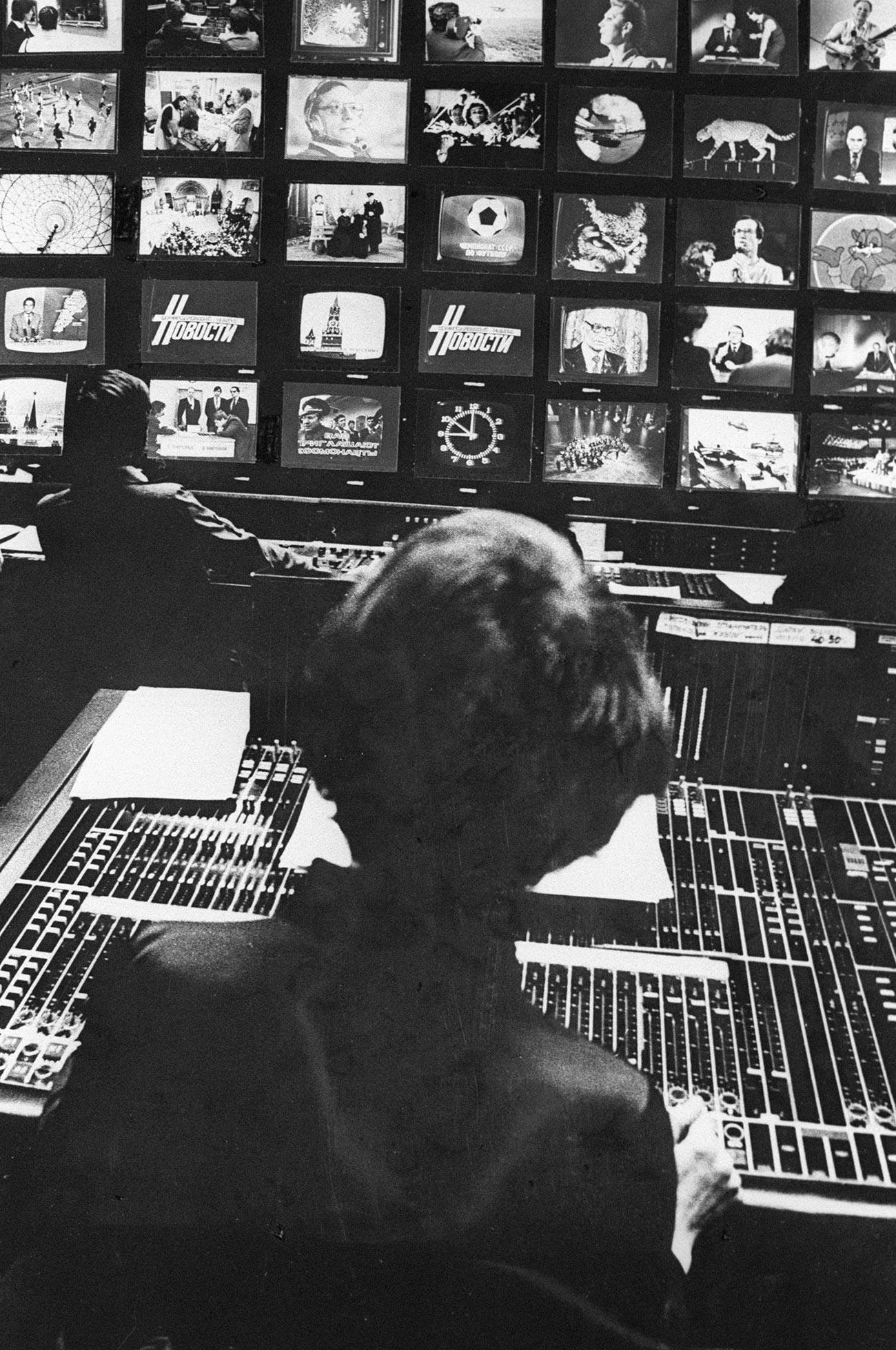 オスタンキノ・テレビ塔のスタジオにて
