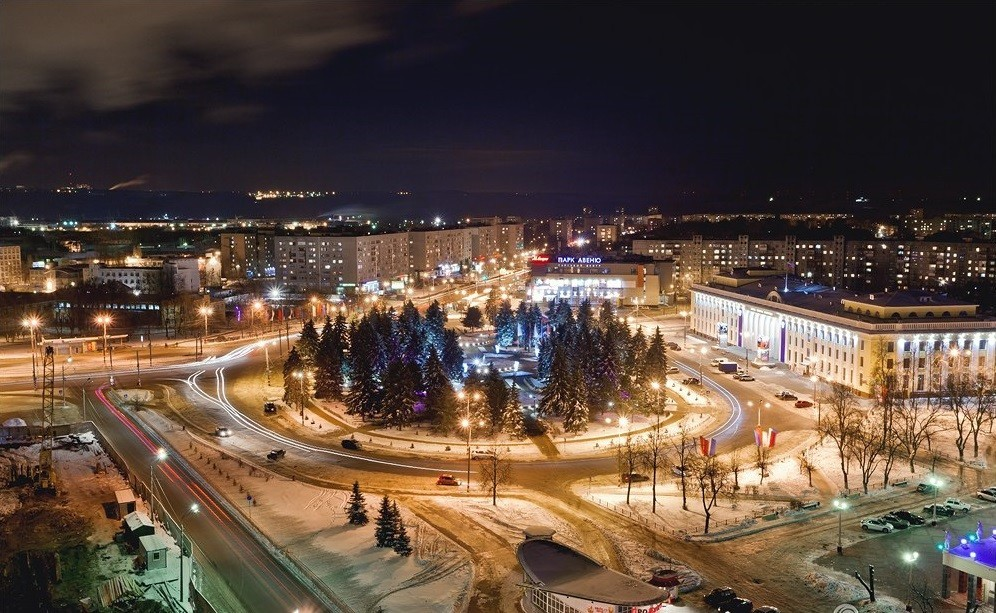 Tako je danes videti nekdanje socialistično mesto v Nižnem Novgorodu. Pravijo mu okrožje Avtozavodski.