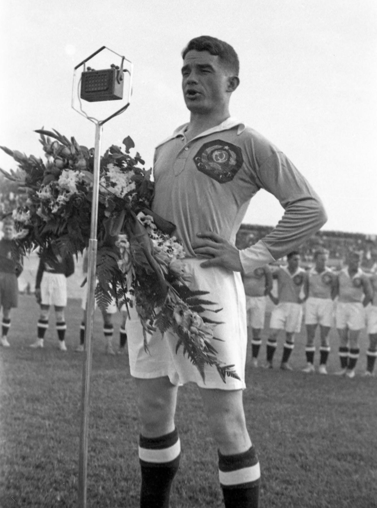 Membre de l'Équipe d'Union soviétique de football, fondateur de l'équipe de football Spartak, Nikolaï Starostine