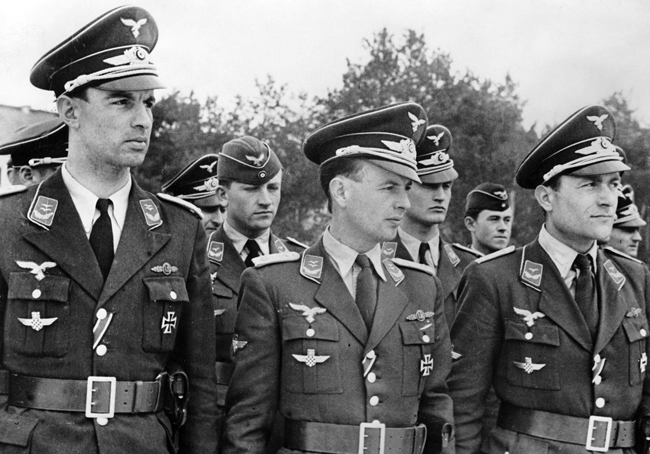 Luftwaffe pilots with the Iron Cross I.