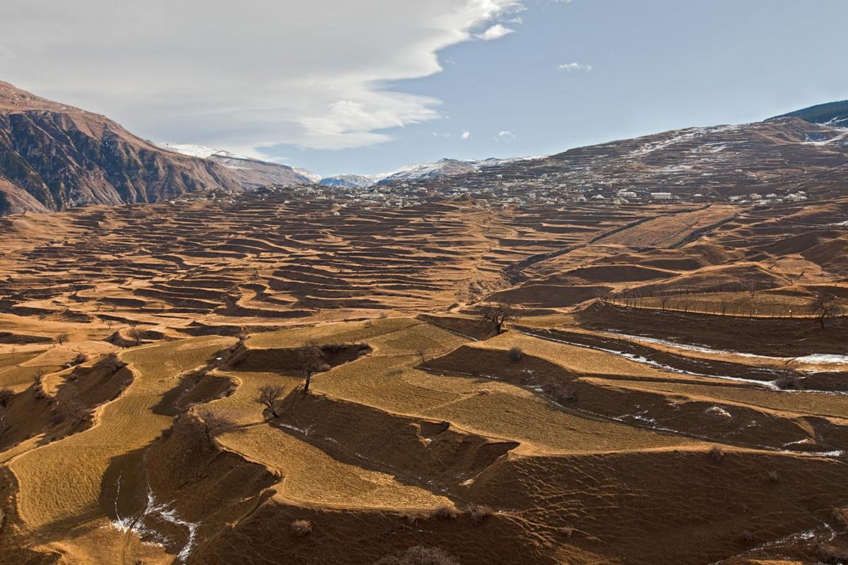 El pueblo de alta montaña de Karata.