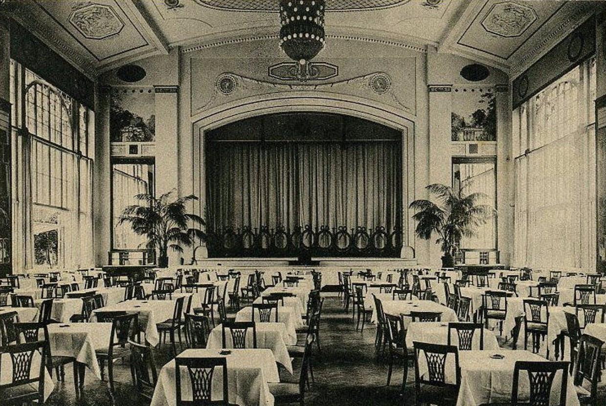 Yar restaurant's interior