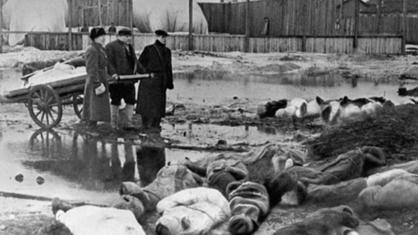 Durante el mes de enero de 1942 murieron en Leningrado 96.751 personas.