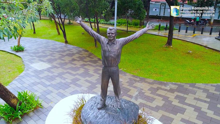 Patung Yuri Gagarin di Taman Mataram, Jakarta Selatan.