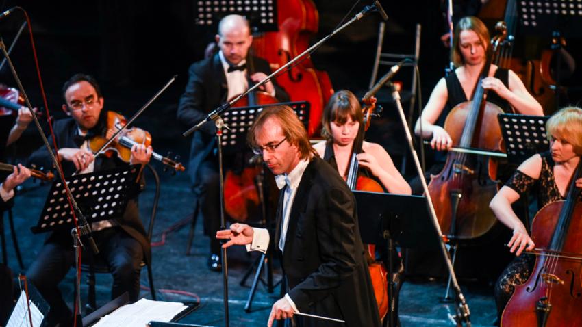 Il direttore d'orchestra Fabio Mastrangelo