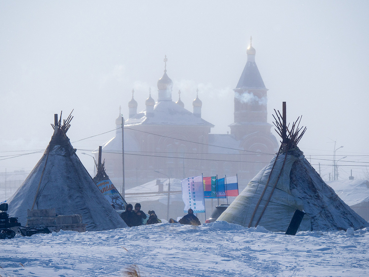 Ханты-Мансийский автономный округ. Во время празднования Дня оленевода в поселке Тазовский.