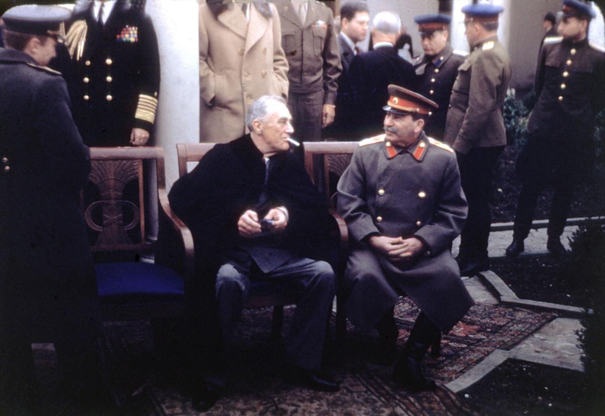 Конференцијата на Јалта (Крим), Рузвелт и Сталин, февруари 1945. СССР, Втора светска војна. Фотографија на Војската на САД.
