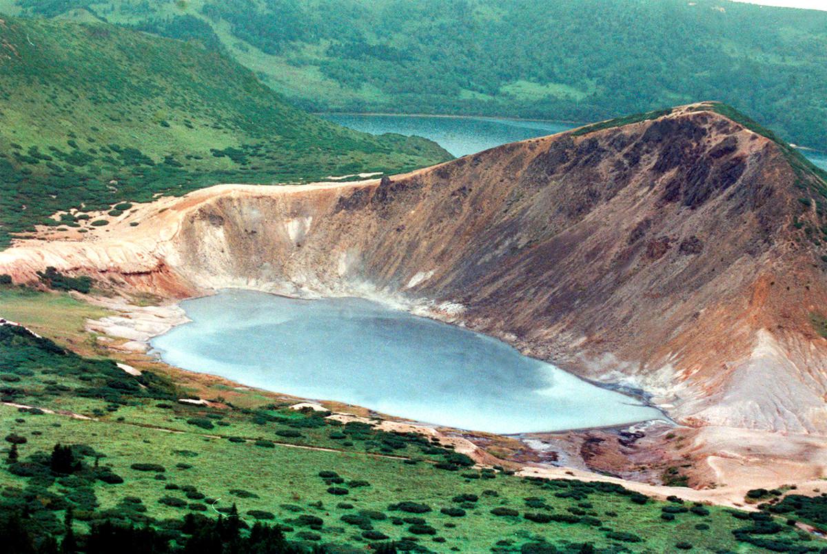 Vrelo jezero na otoku Kunašir