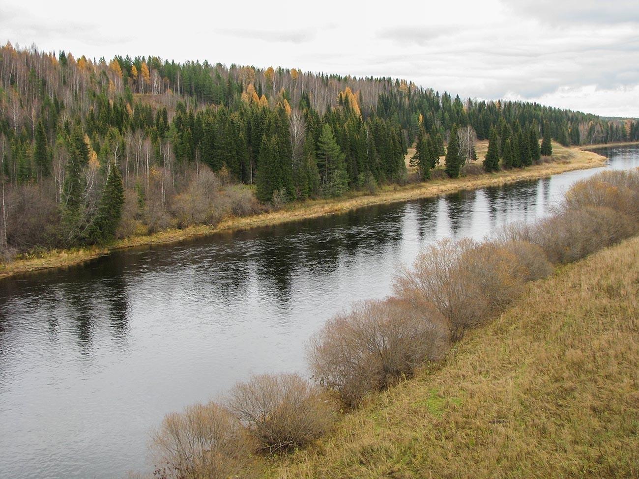 Rio Ukhta, onde foram descobertos depósitos de petróleo