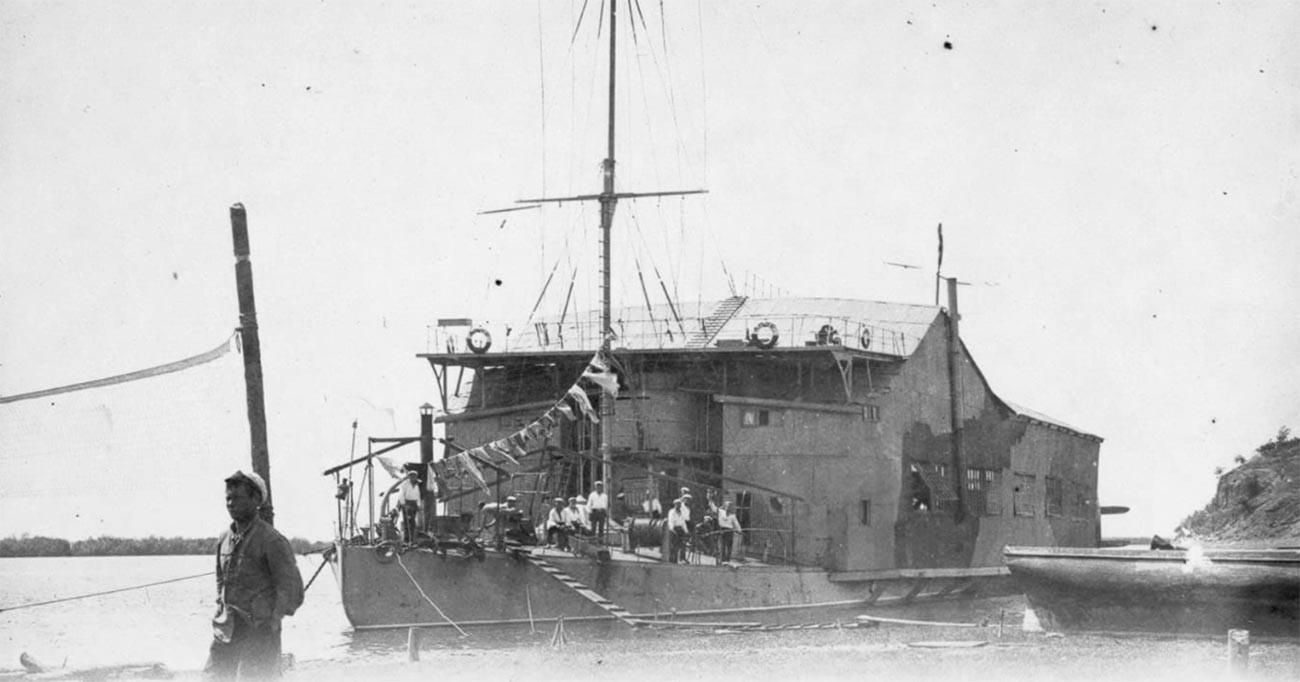 El hidroavión Amur.