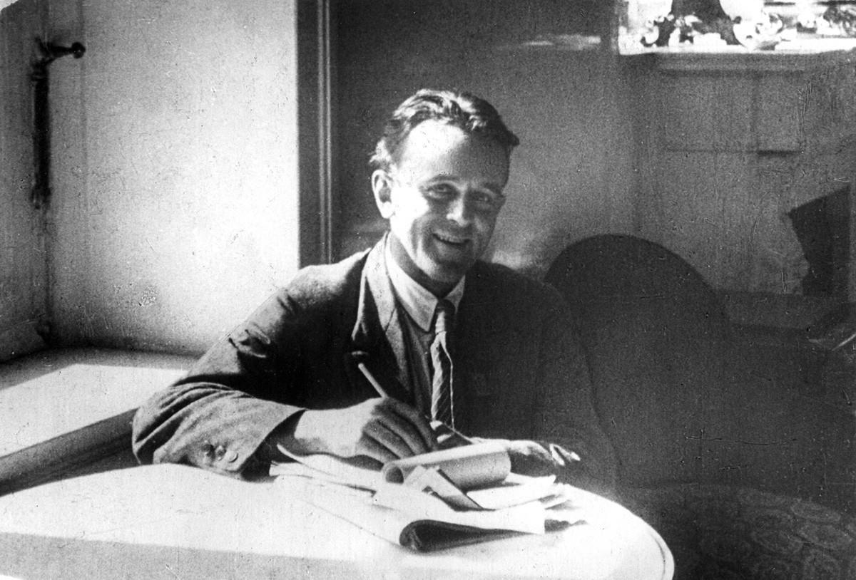 Американският революционен писател и репортер Джон Рид в Москва, СССР, около 1920 г.