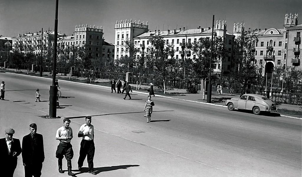 """""""Sotsgorod"""" em Magnitogorsk, anos 1950."""