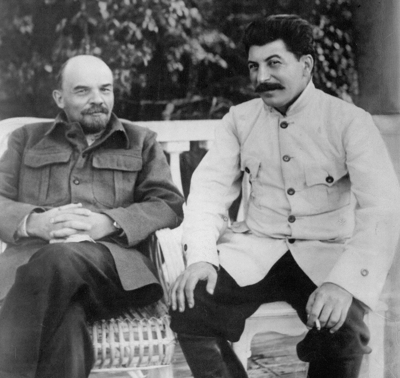 Lênin e Stálin, por volta da década de 1920