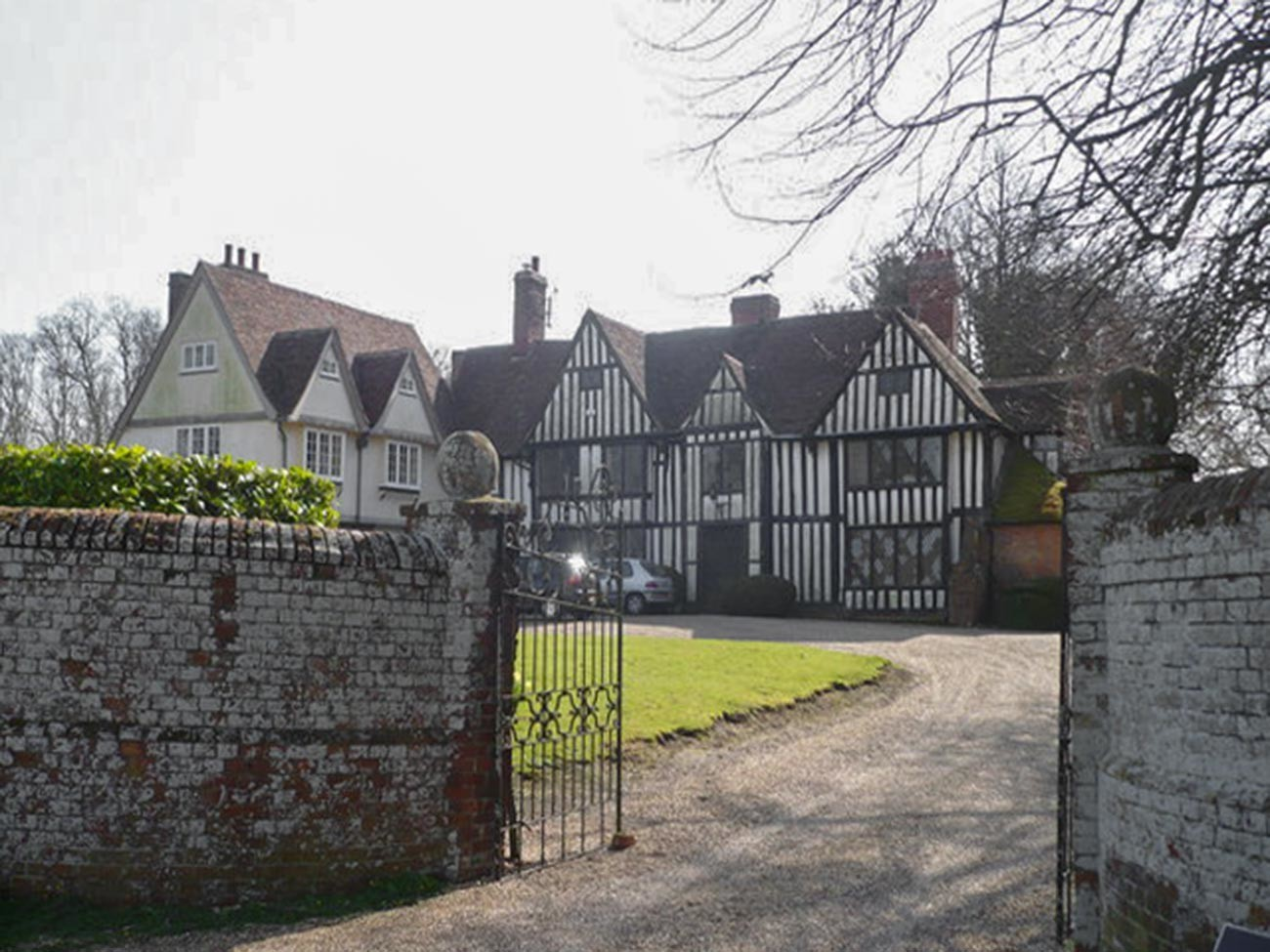 Provender, a medieval house on Provender Road. It is now owned by a descendant of the Russian Romanoff family, Princess Olga Romanoff and, with the help of English Heritage and architect Ptolemy Dean, it is being restored to its former glory.