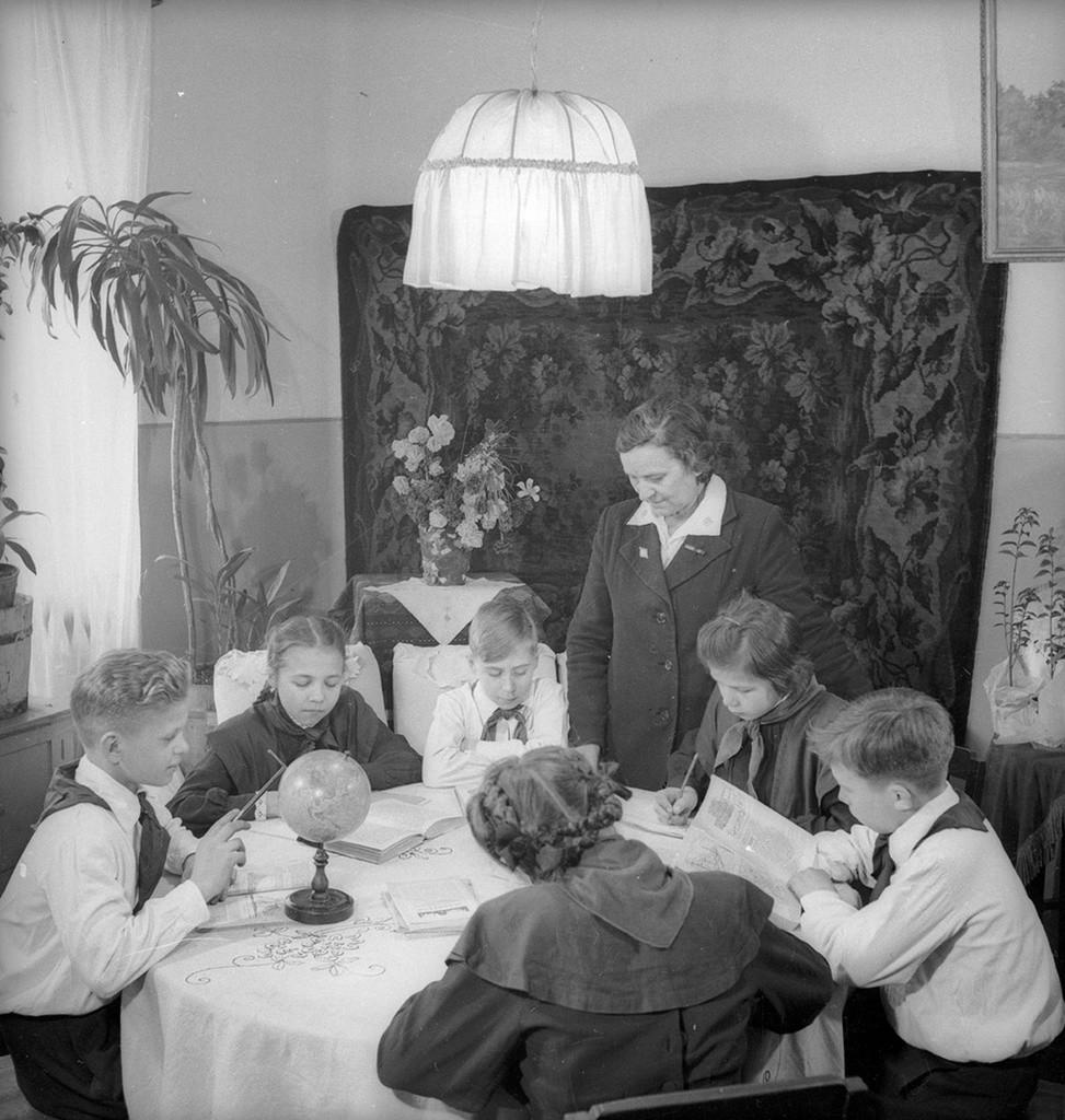 L'orphelinat modèle n°53 dans le district de Staline, 1954