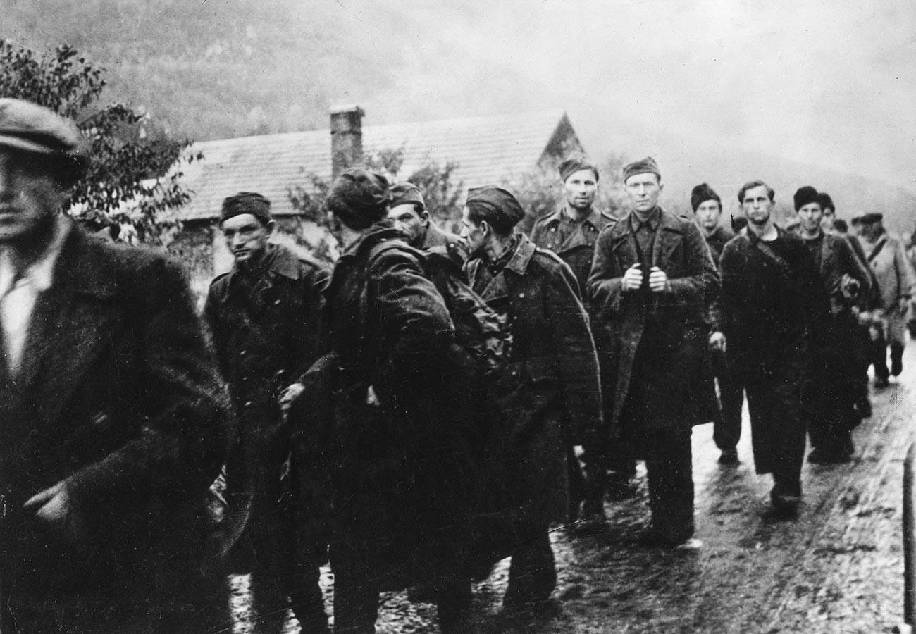 Durant le soulèvement slovaque de 1944, des prisonniers slovaques