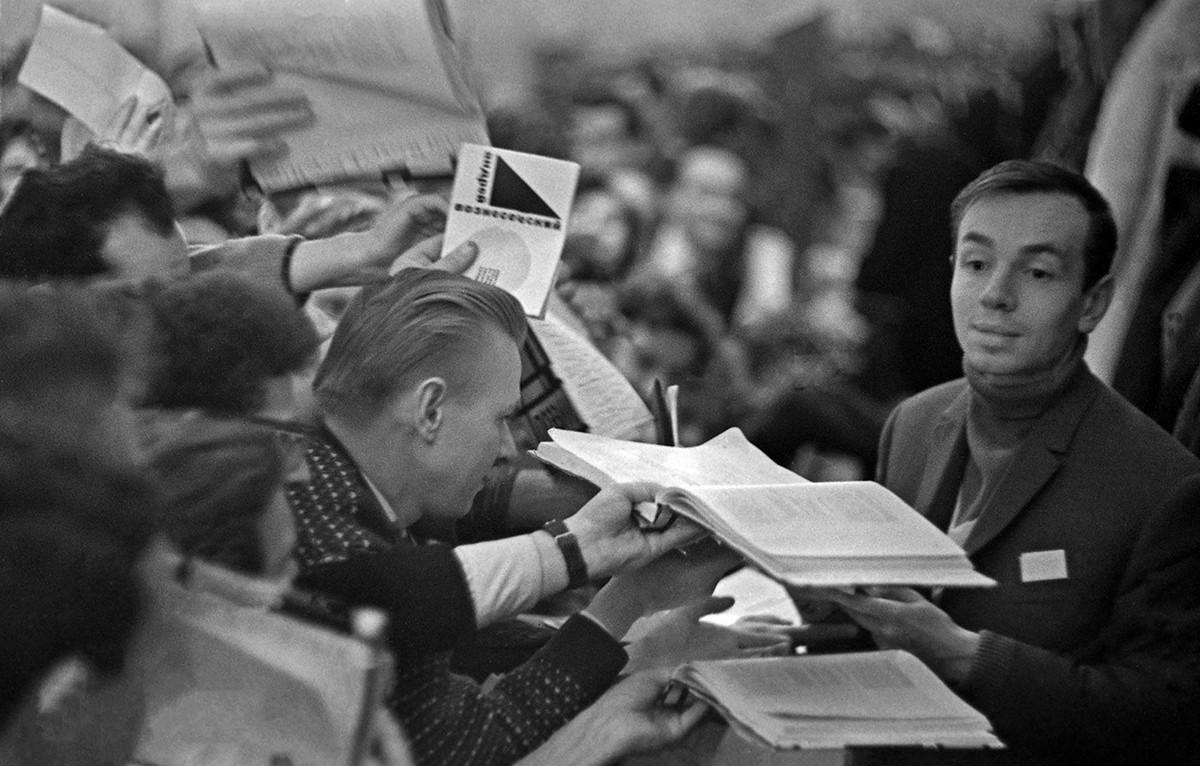 Pesmi Andreja Voznesenskega so bile globoko osebne, inovativne in provokativne.