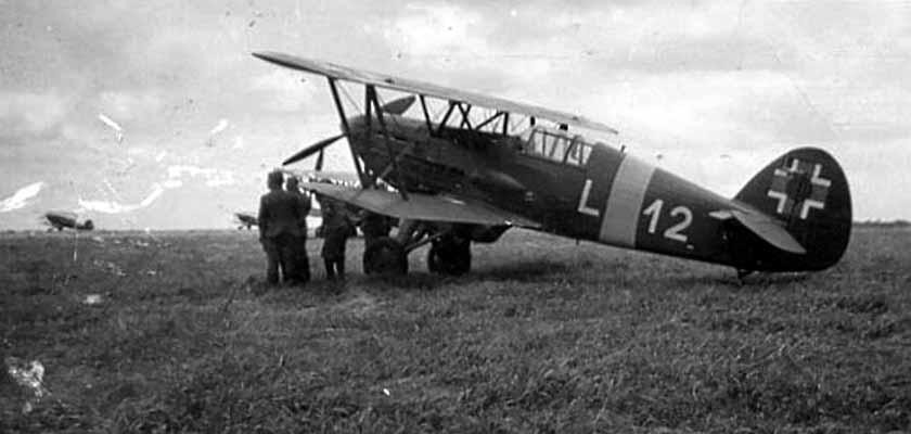 Caça biplano Avia B.534 da Força Aérea Eslovaca na Ucrânia, 1941.