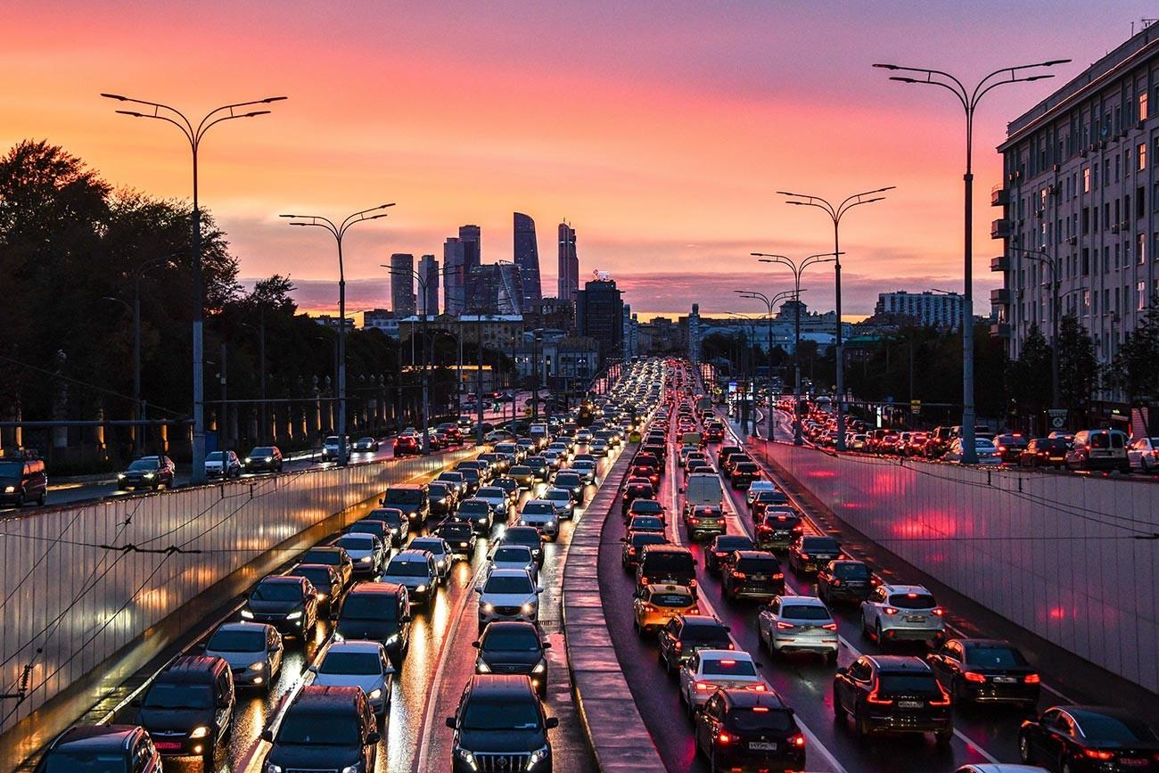 Вечерње гужве у саобраћају у Москви.