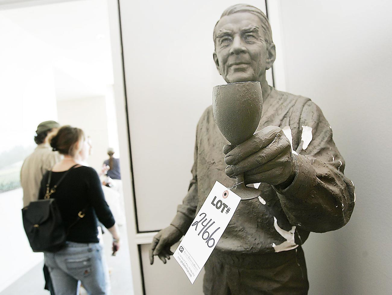 La estatua del pionero del vino André Tchelistcheff.