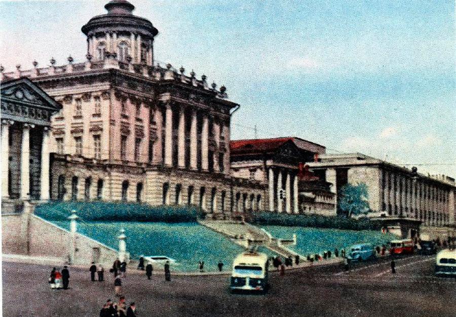 モスクワにあるウラジーミル・レーニン中央図書館「レーニンカ」