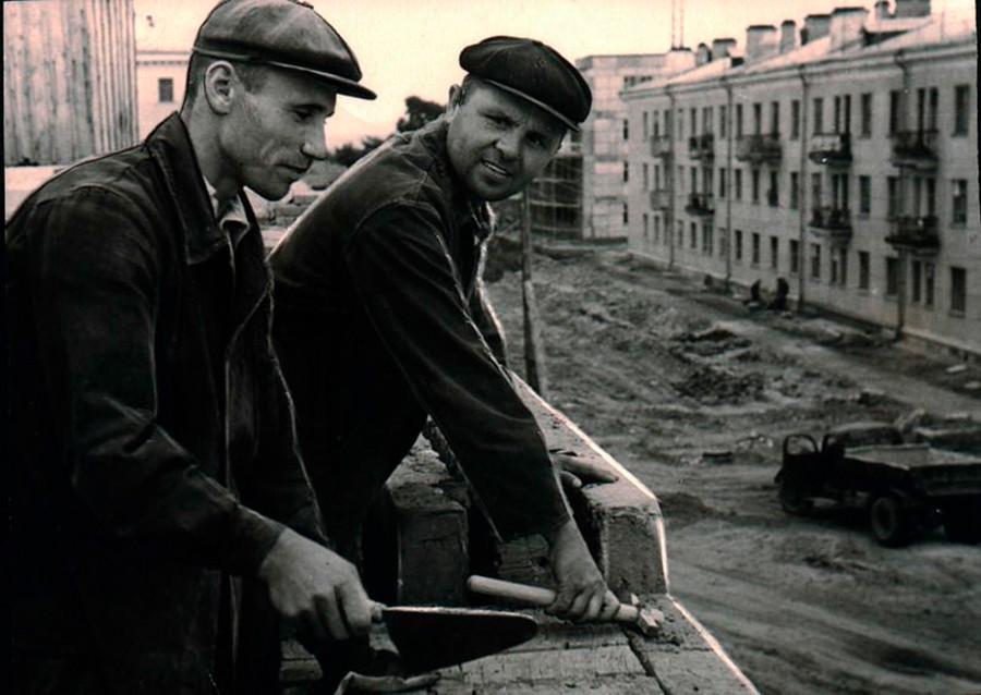 モスクワ州で建設中の道路