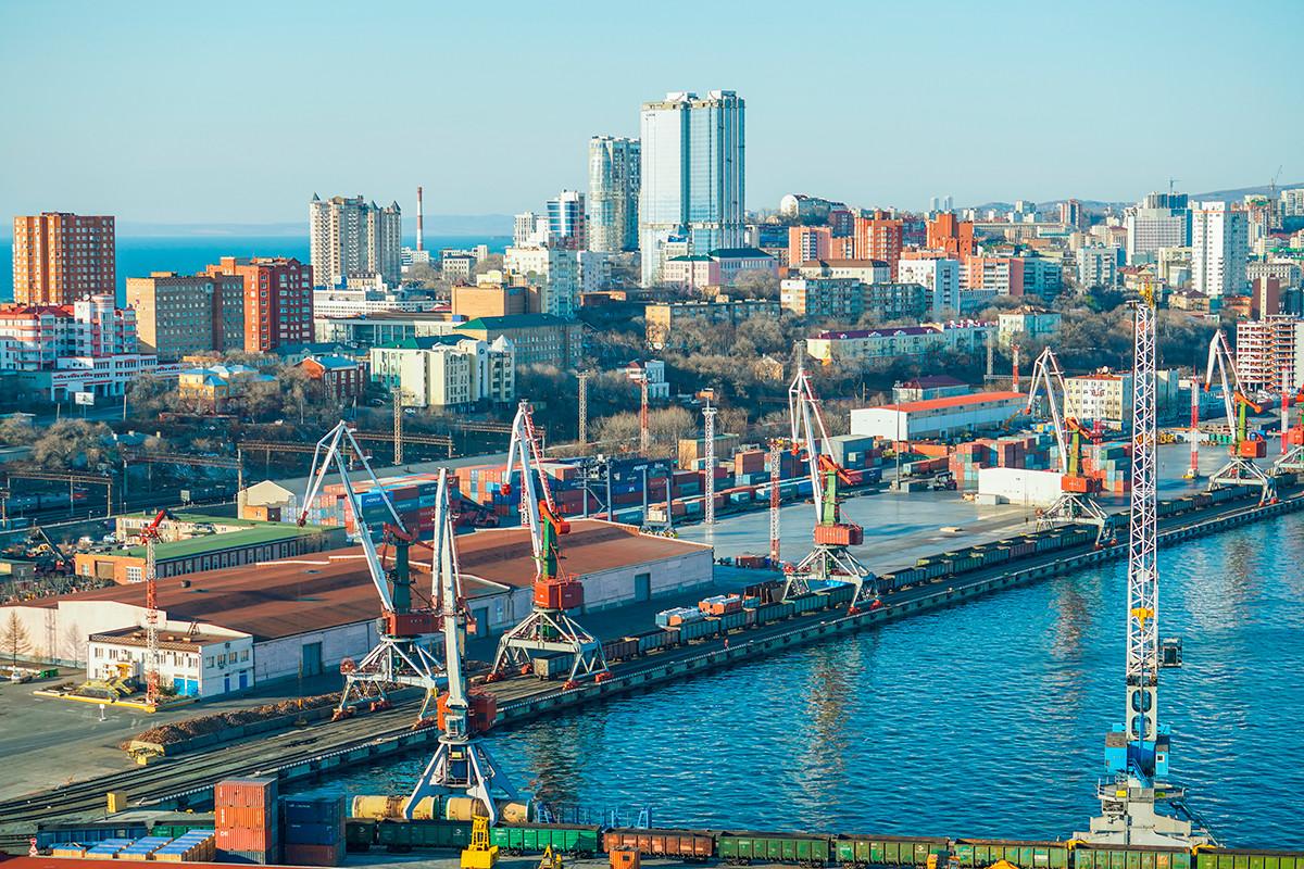 Vue aérienne de la baie de la Corne d'Or, Vladivostok